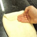 pliage et joint avec la paume des mains